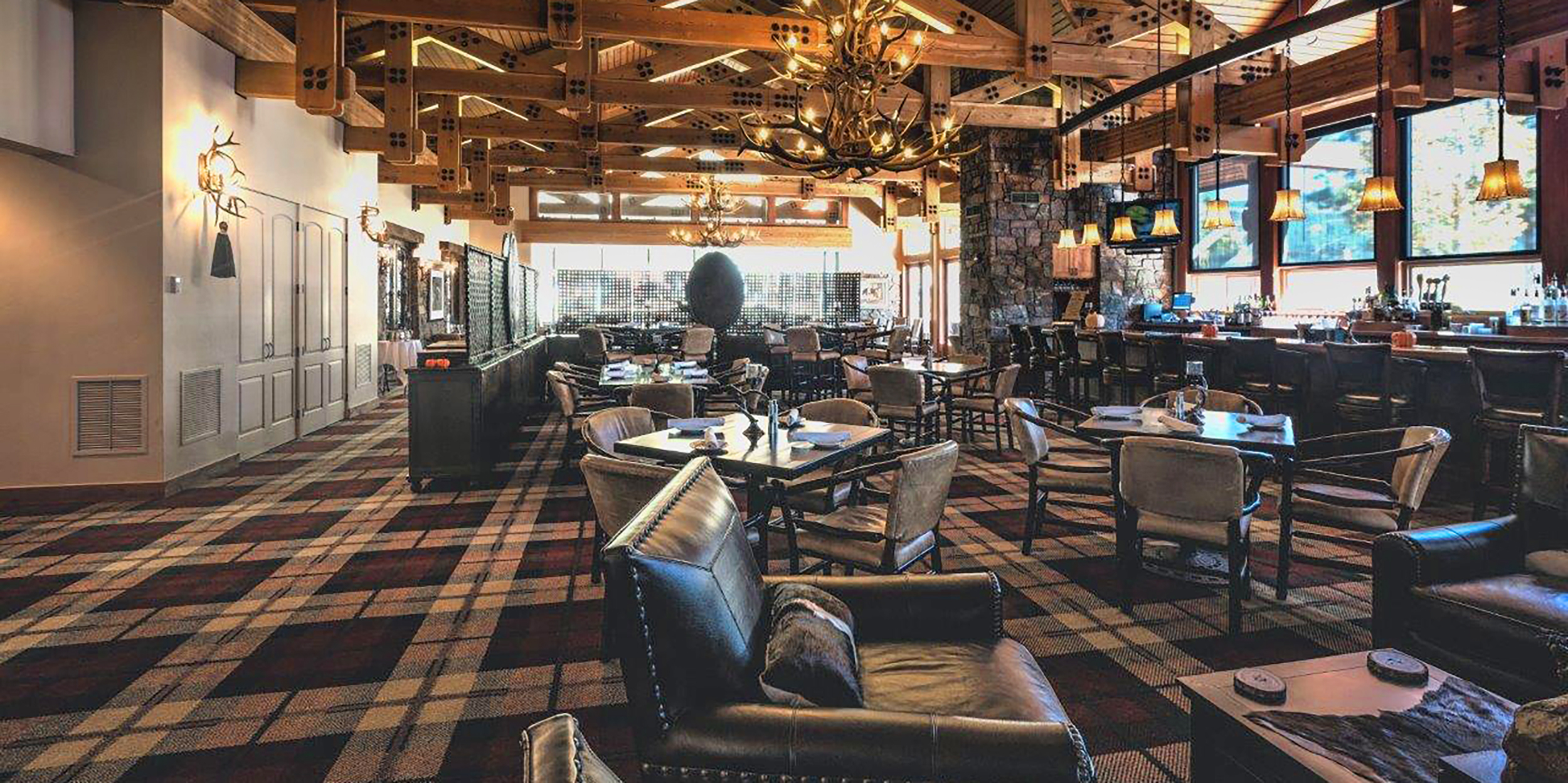 Glacier Mountain Clubhouse Renovation—Dining Inside-Outside