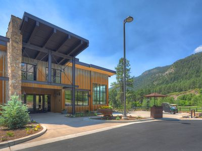 Glacier Valley Clubhouse—a BIG hit!